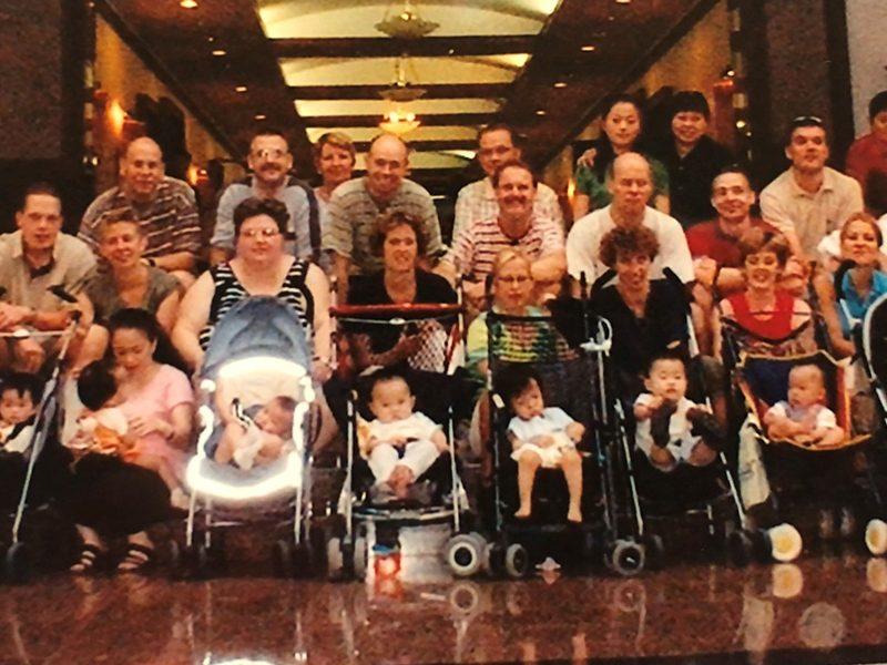 De reisgroep van adoptieouders, Nanchang 2003